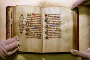 Photograph of a double page from the Book of Hours (Dutch manuscript).